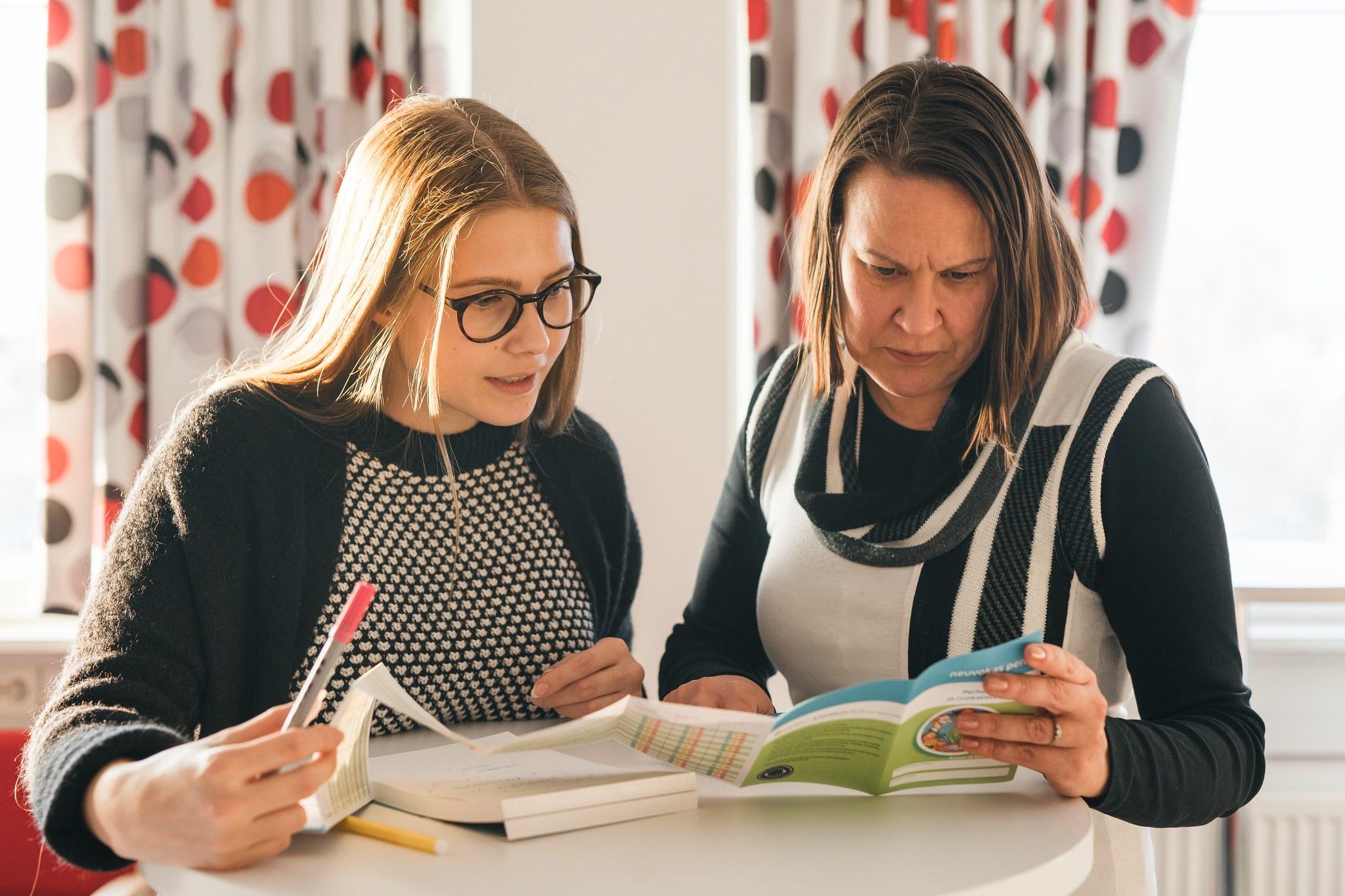 Koulutuksessa tutustutaan Neuvokas perhe-korttiin